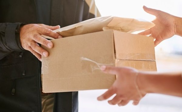 Courier delivery tips for Christmas